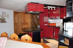Chalet Marmottes, Chalets  Saas-Fee - big - 7