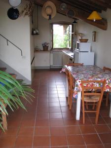 Podere Il Sodo, Апартаменты  Таварнелле-Валь-ди-Пеза - big - 12