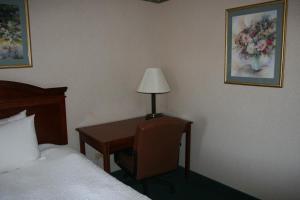 Baymont Inn & Suites - Clarksville, Hotels  Clarksville - big - 8