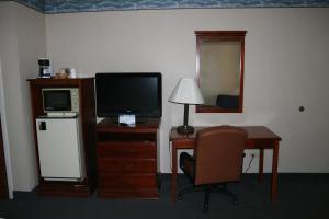 Baymont Inn & Suites - Clarksville, Hotels  Clarksville - big - 18