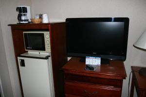 Baymont Inn & Suites - Clarksville, Hotels  Clarksville - big - 2