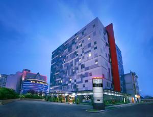 فندق نيو مانغا دوا (Neo Hotel Mangga Dua)