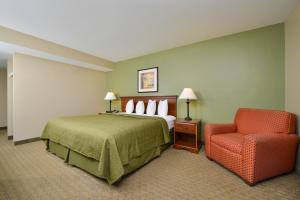 Quality Inn & Suites Near Fairgrounds & Ybor City, Hotels  Tampa - big - 17