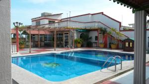 Hotel y Bungalows Monteverde