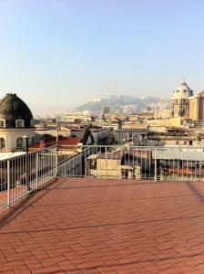 Decumani Roof