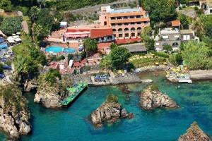 Prenota Strand Hotel Delfini