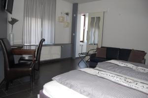 Hotel Brasserie Typisch, Hotely  Kell - big - 6