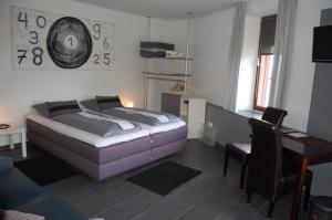 Hotel Brasserie Typisch, Hotely  Kell - big - 3