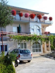 Apartments Jakšic