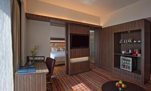 Novotel Pune Nagar Road, Hotel  Pune - big - 26