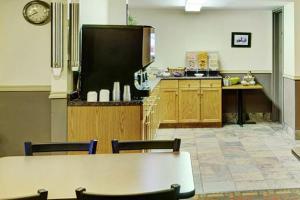 Thompson's Best Value Inn & Suites