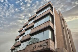 Hotel Athena, Отели  Нью-Дели - big - 1
