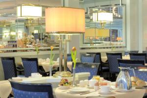 Radisson Blu Hotel Cottbus, Szállodák  Cottbus - big - 12