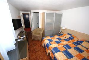 Hotel Le Relais des Champs, Hotely  Eugénie-les-Bains - big - 2