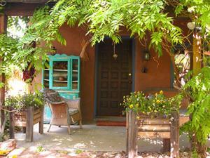 Alexander's Inn Vacation Renta..