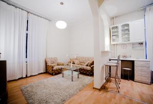 VIP House Apartments 3 on Lenina Street - фото 4