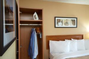Comfort Inn East Sudbury, Отели  Садбери - big - 17