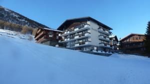 Haus Aristella, Apartments  Saas-Fee - big - 22