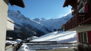 Haus Belle-Vue, Apartmány  Saas-Fee - big - 51