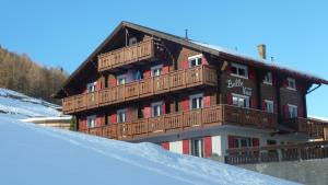 Haus Belle-Vue, Apartmány  Saas-Fee - big - 53