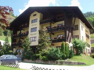 Pension Trojerhof, Vendégházak  Heiligenblut - big - 88