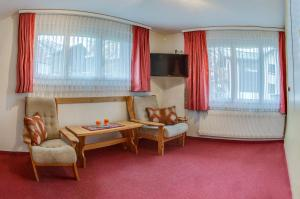 Anemone, Apartments  Saas-Fee - big - 24