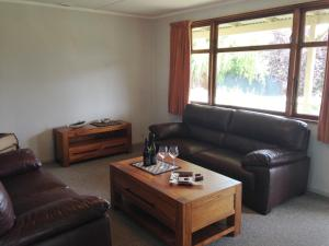 (Judge Rock Exclusive Vineyard Cottage Accommodation)