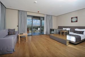 Ramada Resort Bodrum, Hotel  Bitez - big - 9