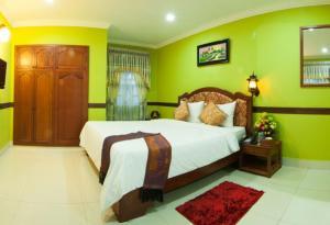 Пномпень - Long Live Hotel