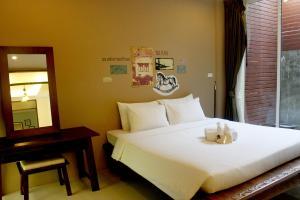 Feung Nakorn Balcony Rooms and Cafe, Отели  Бангкок - big - 79