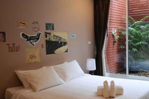 Feung Nakorn Balcony Rooms and Cafe, Отели  Бангкок - big - 34