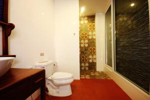 Feung Nakorn Balcony Rooms and Cafe, Отели  Бангкок - big - 24