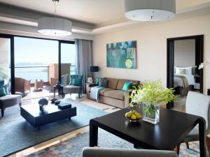Deluxe Familieappartement met 2 Slaapkamers en Panoramisch Uitzicht op Zee