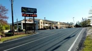 Quality Inn Fort Jackson, Hotely  Columbia - big - 1