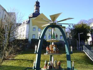 Hansis Lodge
