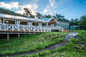 Lodge Lago Grey