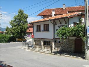 Guest House Flora