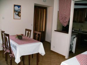 B&B Barucin, Bed and Breakfasts  Villar San Costanzo - big - 8