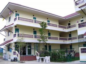 Dhanaporn Apartment