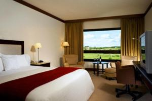 Hotel cerca : Sheraton Colonia Golf And Spa Resort