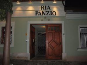 Ria Panzio