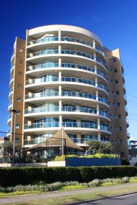 Sails Apartments