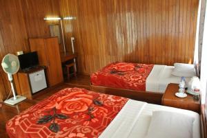 Nanda Wunn Hotel