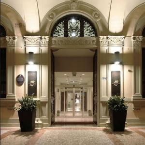 伯洛格纳珀缇西酒店 (I Portici Hotel Bologna)