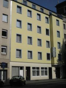 萊因哈德酒店 (Hotel Reinhard)