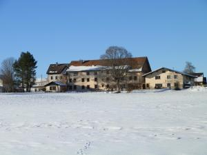 Centre Chrétien La Grange, Guest houses  Auberson - big - 57