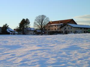Centre Chrétien La Grange, Guest houses  Auberson - big - 56