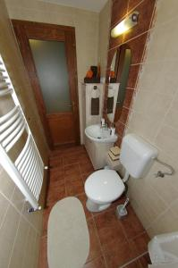 Maja Apartman, Apartments  Gyula - big - 11