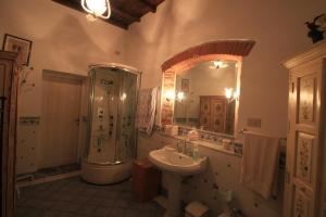 B&B Villa La Luna, Bed & Breakfasts  Troghi - big - 5