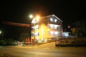 Apartments Giljača, Apartments  Tivat - big - 24